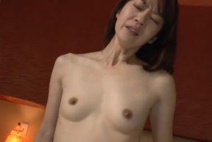 美人人妻のオマンコ(無修正)熟女 【無修正】大人のおまんこ~熟女動画 NAVI - FC2